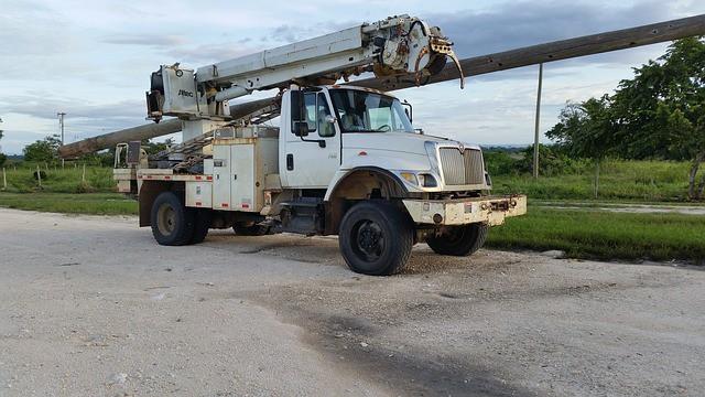 truck in pole