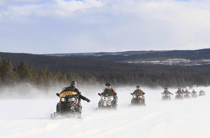 snow vehicle